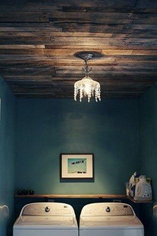 Haga un hermoso techo de paletas de madera.