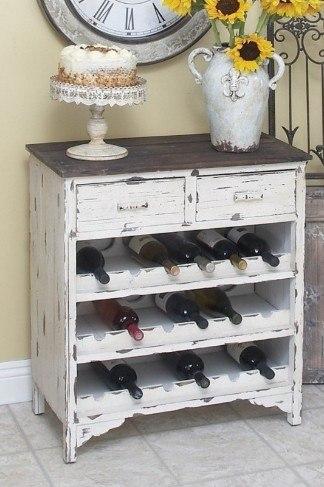 Interesante gabinete de vinos